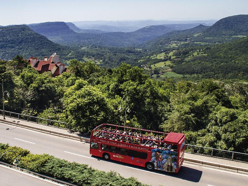 Imagem do Bustour no Vale do Quilombo